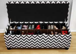 zig zag button tufted shoe bench